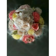 Mydlová kytica v kvetináči žlto-červená
